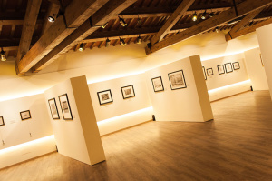 Galleria Espositiva Ferragamo presso Il Borro Da Mantegna a Warhol Storie di vino 30